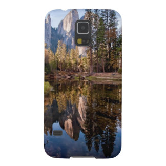 View of Cathedral Peaks Galaxy S5 Cover