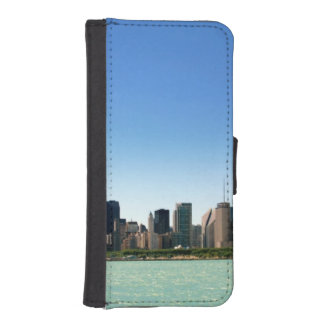 View of Chicago skyline by Lake Michigan iPhone SE/5/5s Wallet Case