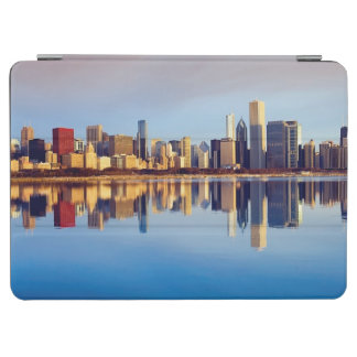 View of Chicago skyline with reflection iPad Air Cover
