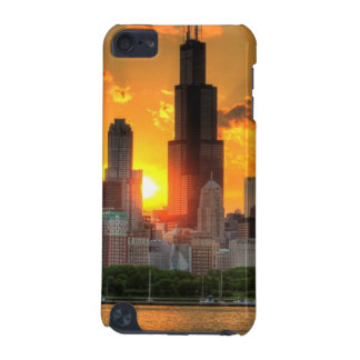 View of Chicago's skyline from  Adler iPod Touch (5th Generation) Case