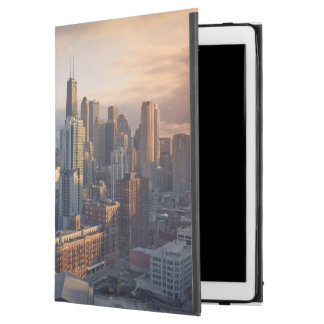 "View of cityscape with fantastic light iPad pro 12.9"" case"