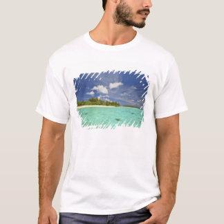 View of Funadoo Island from Funadovilligilli T-Shirt