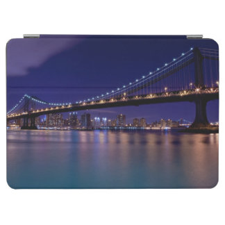 View of Manhattan bridge at night iPad Air Cover