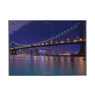 View of Manhattan bridge at night iPad Mini Cover