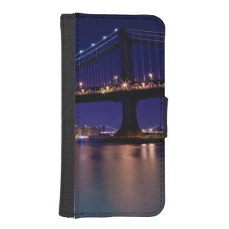View of Manhattan bridge at night iPhone SE/5/5s Wallet Case