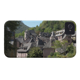 View of the medieval village (photo) iPhone 4 Case-Mate case