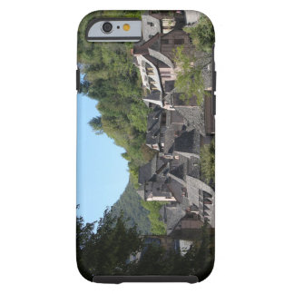 View of the medieval village (photo) tough iPhone 6 case