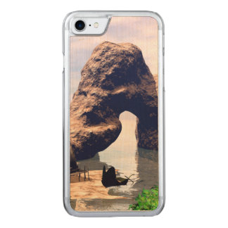 View over the sea with boat carved iPhone 8/7 case
