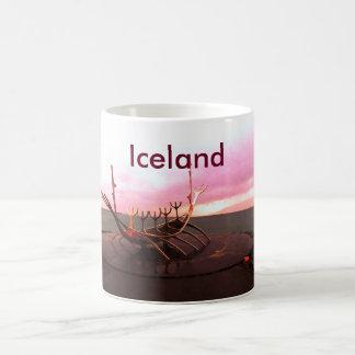 VIKING SHIP STATUE - ICELAND BASIC WHITE MUG
