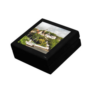 VILLAGES OF WALES SMALL SQUARE GIFT BOX