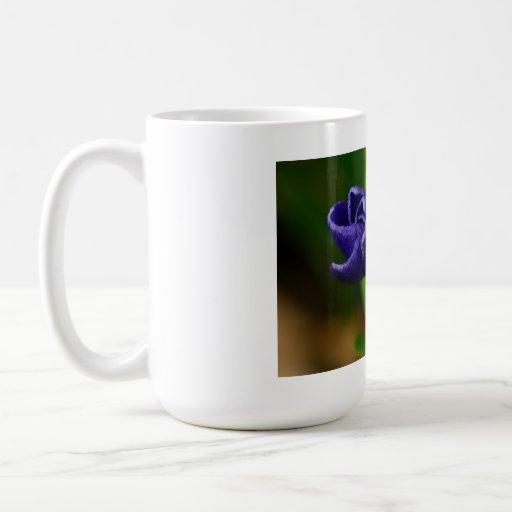 VInca Violet Unfolding Basic White Mug