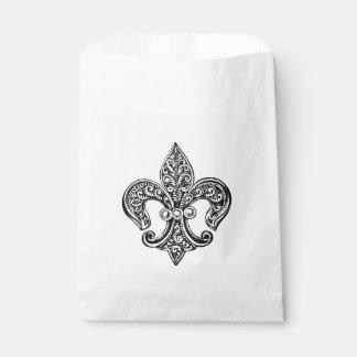Vintage Black and White Lacy Fleur De Lis Favour Bags