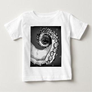 Vintage Black & White Nautical Octopus Tentacle Tshirt