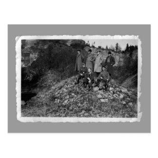 Vintage cards - WW2 men on hill