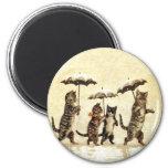 Vintage Cats Umbrella Snow 6 Cm Round Magnet