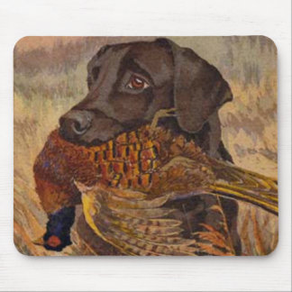 Vintage Chocolate Lab Hunting Mouse Mat