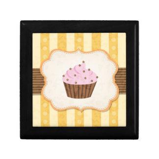 Vintage Cupcake Background Gift Box