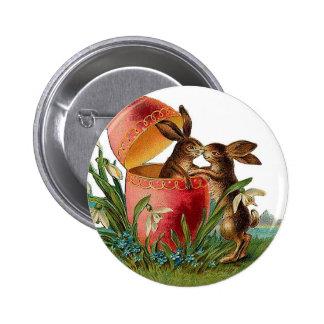 Vintage Egg & Easter Rabbits Kissing 6 Cm Round Badge