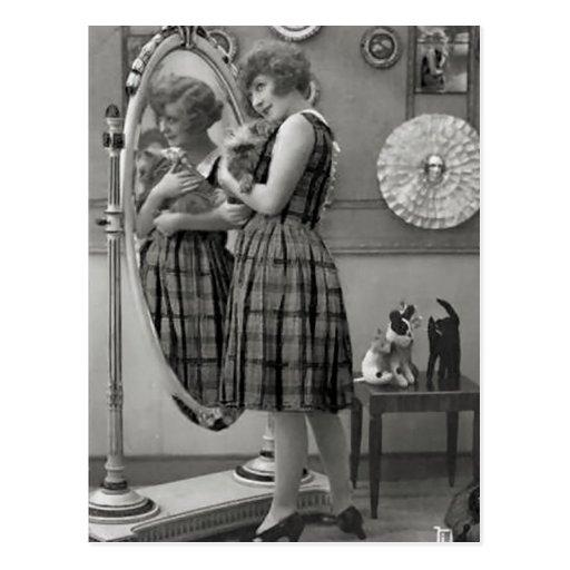 Vintage Flapper (81) Postcard