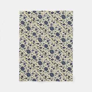 Vintage floral design fleece blanket