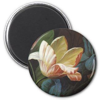 Vintage Flowers, Victorian Garden Tulip in Bloom 6 Cm Round Magnet