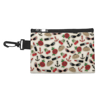 Vintage Glamour Inspired Clip On Accessory Bag