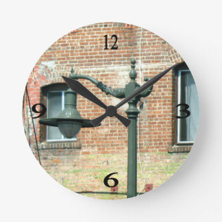 Vintage Green Street Lamp Round Wall Clock