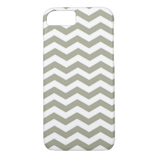 Vintage Grey White Chevron. Zigzag Pattern iPhone 8/7 Case