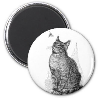 Vintage illustration of Cat watching an Insect 6 Cm Round Magnet