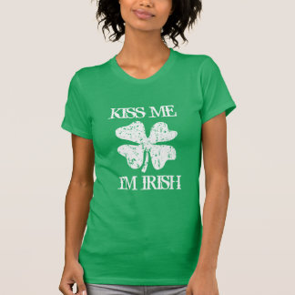 Vintage kiss me im Irish St Patricks Day t shirts