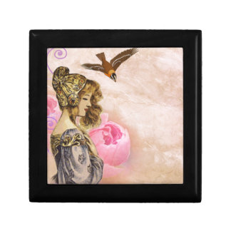 Vintage lady rose small square gift box