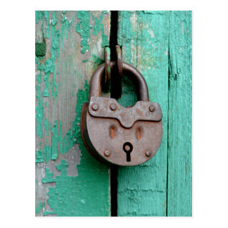 VINTAGE LOCK GREEN DOOR POSTCARD