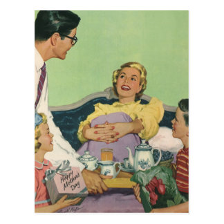 Vintage Mom Gets Breakfast in Bed From the Family Postcard