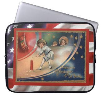 Vintage patriotic American, 4th July firecrackers Computer Sleeve
