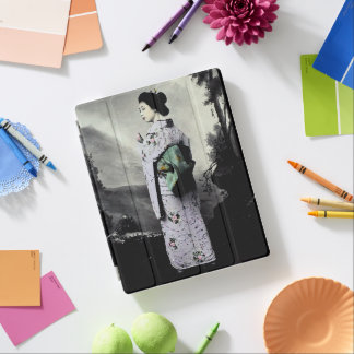 Vintage Photograph:  Geisha Girl iPad Smart Cover