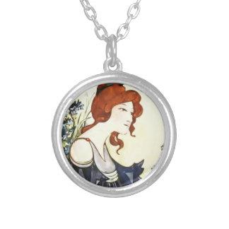 vintage round pendant necklace