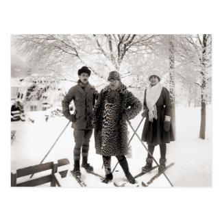 Vintage ski fashion, 1910 post cards