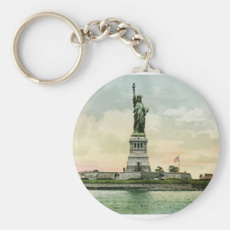 """Vintage """"Statue of Liberty"""" Poster. New York. Basic Round Button Key Ring"""