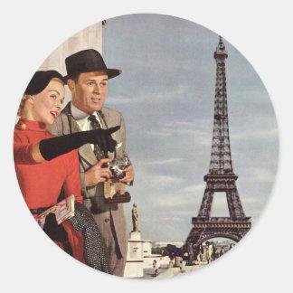 Vintage Tourists Traveling in Paris Eiffel Tower Classic Round Sticker