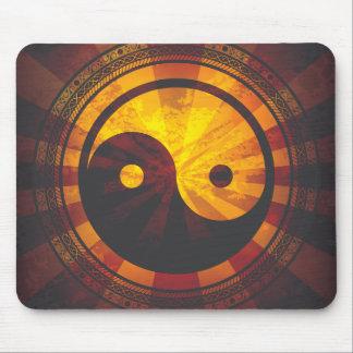 Vintage Yin Yang Symbol Print Mouse Pad