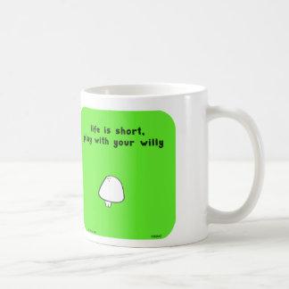 VM8647 vimrod life short willy play Basic White Mug