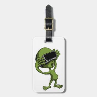 VR Alien Luggage Tag