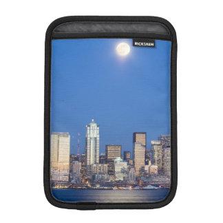 WA, Seattle, Seattle skyline and Elliott Bay 3 iPad Mini Sleeve