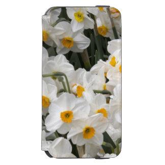 WA, Skagit Valley, Daffodil pattern Incipio Watson™ iPhone 6 Wallet Case