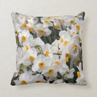 WA, Skagit Valley, Daffodil pattern Throw Pillow