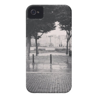 Walking back to the office iPhone 4 case
