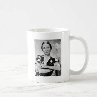 Wallis Simpson Basic White Mug