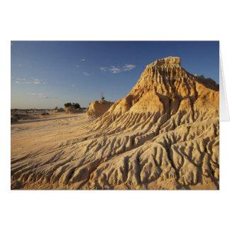 Walls of China Formations, Mungo National Card