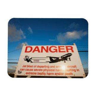 Warning sign near St. Maarten Airport, Magnet