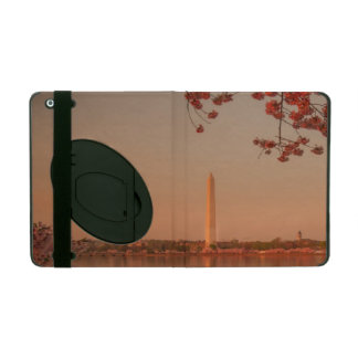 Washington Monument Sakura at sunset. iPad Cover